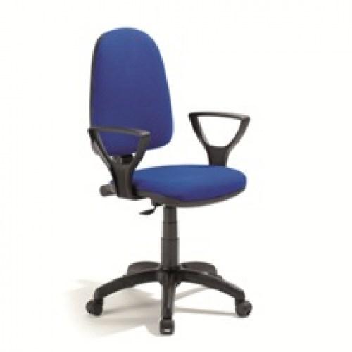 Sedie e poltrone for Poltrone e sedie